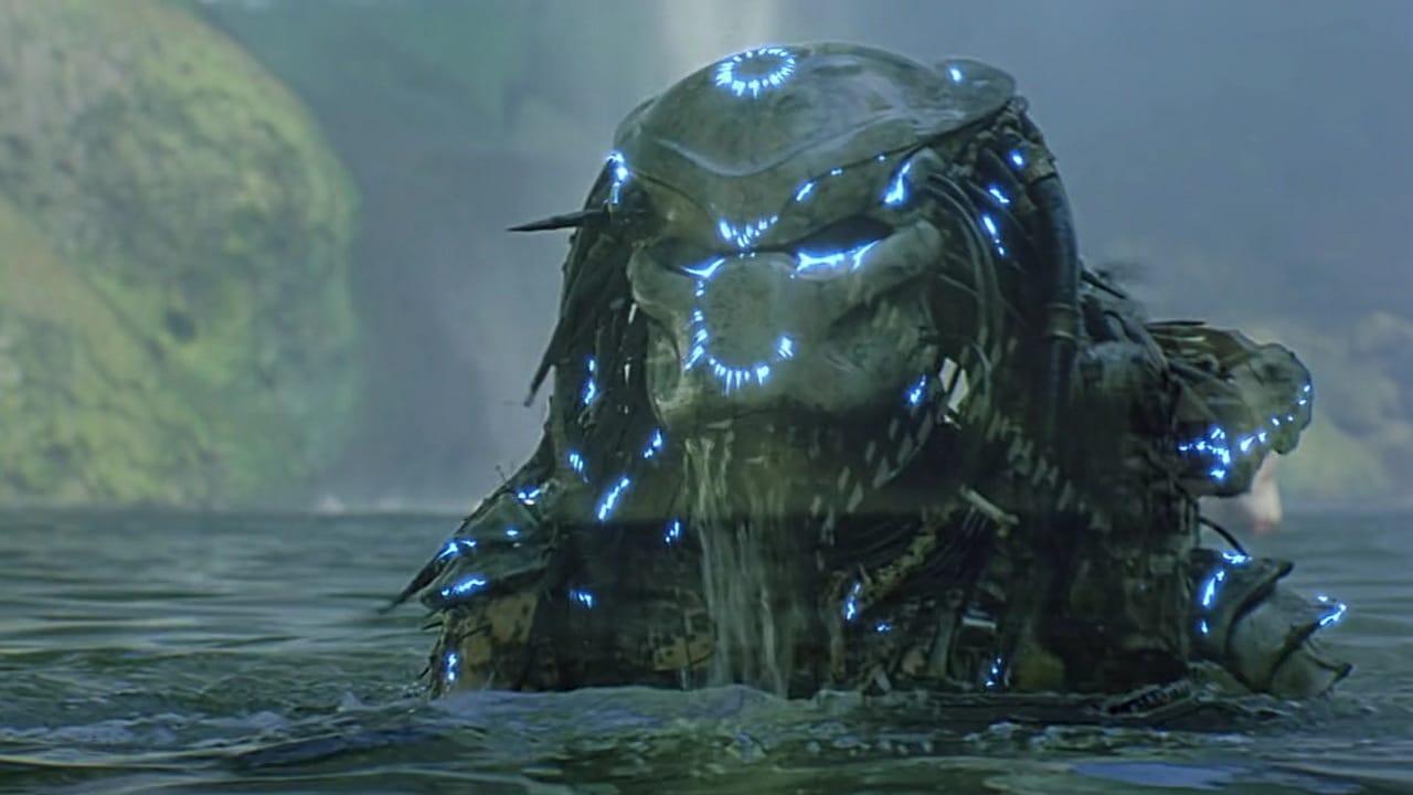 При соприкосновении с водой невидимость хищника пропадает