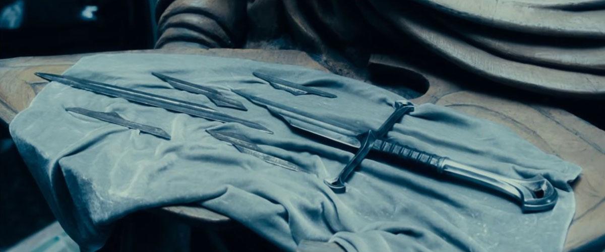 Могучая реликвия - осколки Нарсиля, хранящиеся у эльфов (Властелин колец: Братство Кольца, 2001)