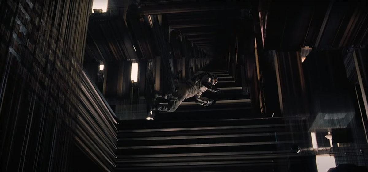 Герой МакКонахи находится в пятимерном пространстве - библиотеке