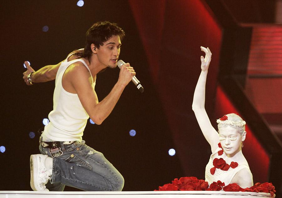 Первое выступление Димы Билана на Евровидении - балерина в рояле
